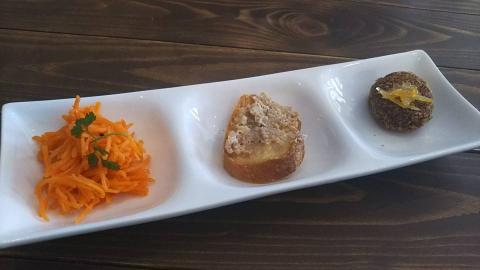 平成29年7月1日ニンジンサラダ、豚肉のパテ、フランス豆のコロッケ