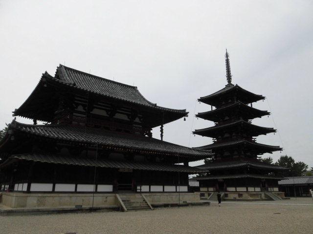 金堂と五重塔