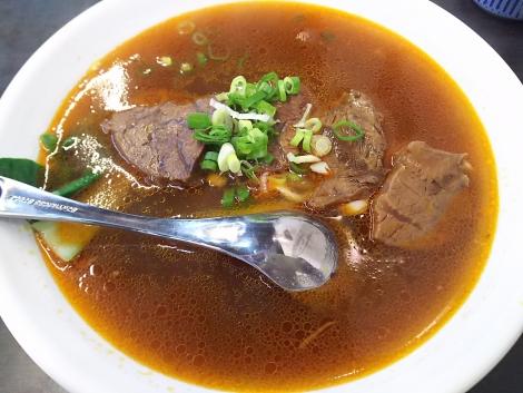 川味湯頭牛肉麺
