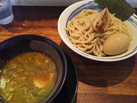 8種の煮干しとピスタチオの淡麗つけ麺