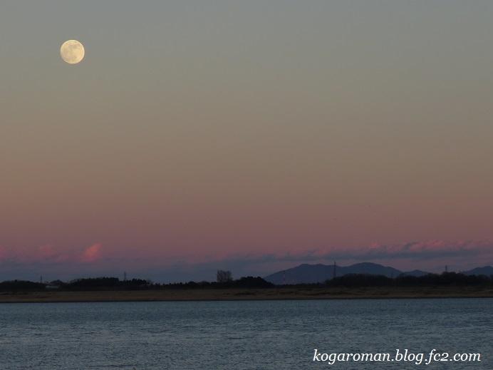 谷中湖の月