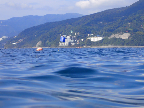 沖のフラッグP9100003