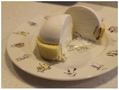 ローソンプレミアムロールケーキアイス2