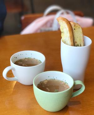 7_スープとガーリックトースト
