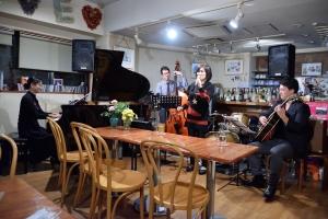 三槻直子(ボーカル)さんと(2016/11)
