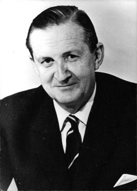 Governor_Murray_MacLehose.jpg