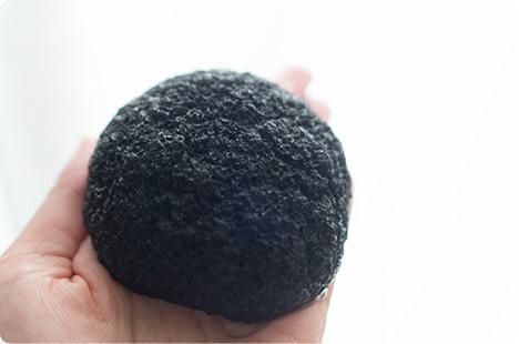 まかないこすめ 凍りこんにゃくスポンジ(竹炭)