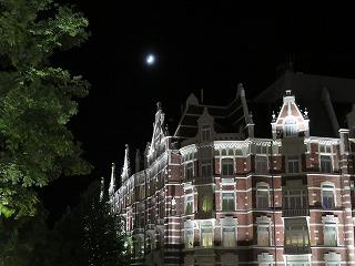 ホテルヨーロッパ と 月