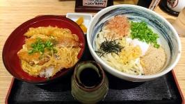 博多駅の大福うどん博多一番街店でカツ丼ぶっかけセット!