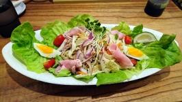 熊本市中央区白山のらぁめん一白で野菜たっぷりゴマだれ冷麺♪