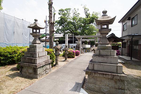 土之宮神明社参道風景