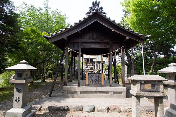 津島社拝殿
