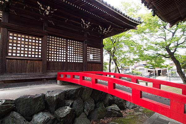 七所社弊殿と橋