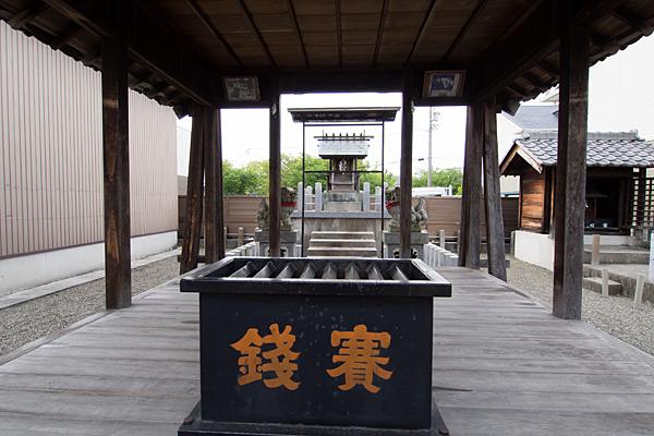 太神社拝殿から本殿