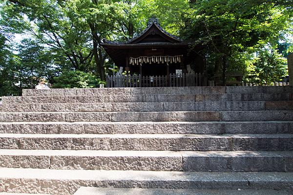 大須白山神社拝殿前階段