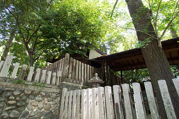 大須白山神社本殿