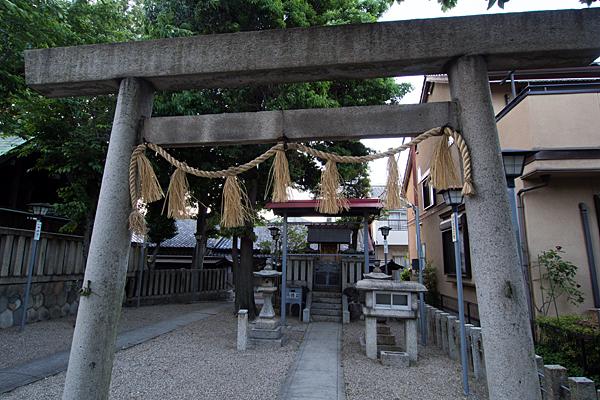 長戸井町金山神社境内社と鳥居