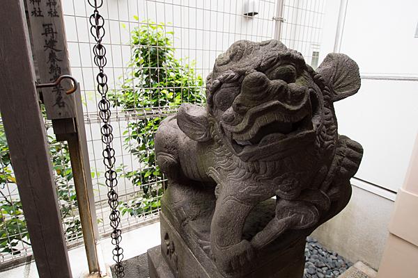 丸の内白山神社狛犬