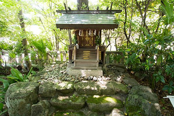 外土居神社末社