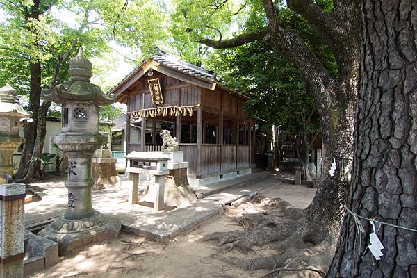 丸屋八幡神社全景