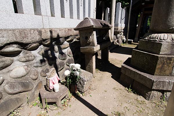 日出神社石仏