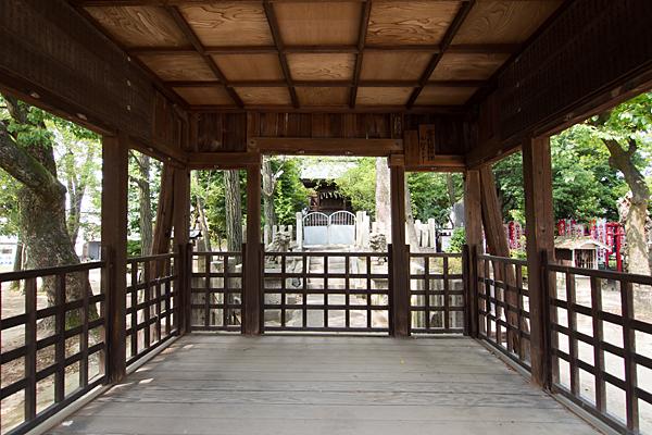本願寺八幡社拝殿内