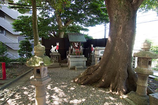 田光八幡社稲荷社奥の院