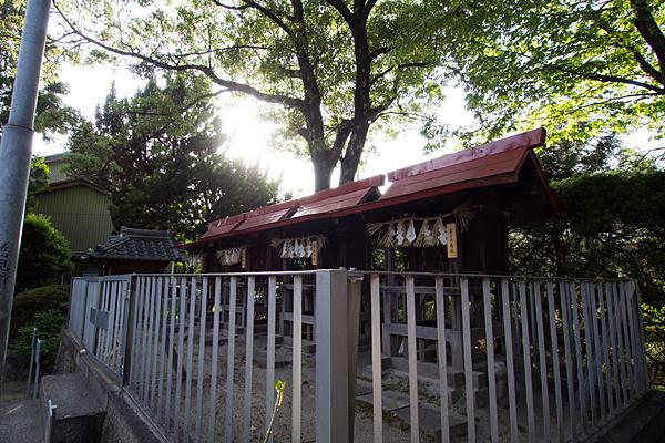 東八幡社境内社