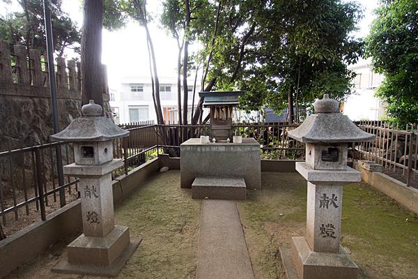 東栄町八幡社境内社