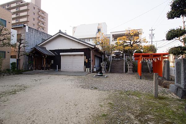 豊田本町神社境内全景