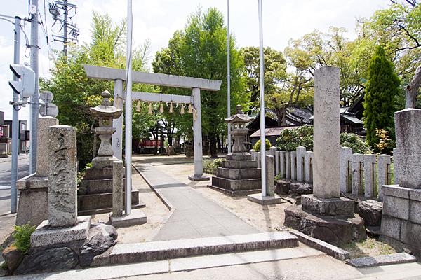 熊野社北入口前