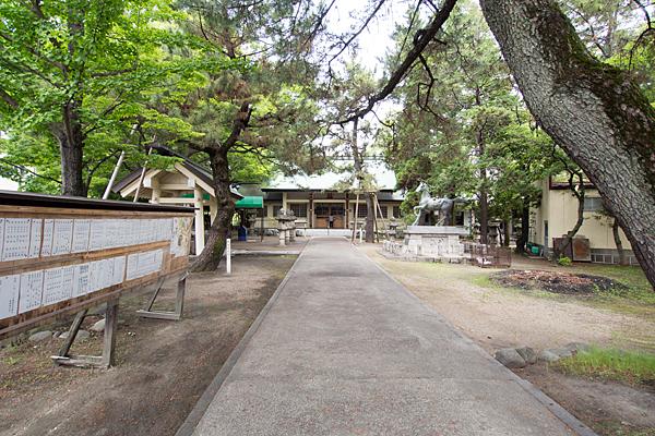 城屋敷神明社参道と境内