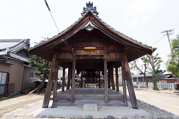 八所社拝殿