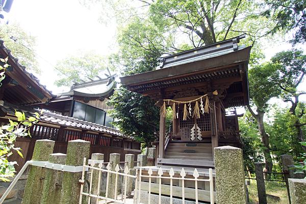 栄生町八幡社境内社