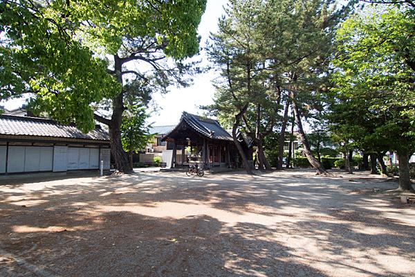 八家町神明社境内の風景