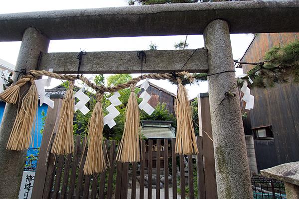 太閤厳島社鳥居と本殿