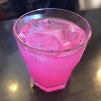 不思議な色の飲み物