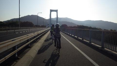 伯方・大島大橋を走る。