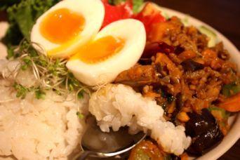 夏野菜のキーマカレーワンプレートランチ2