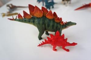 恐竜フィギュア2