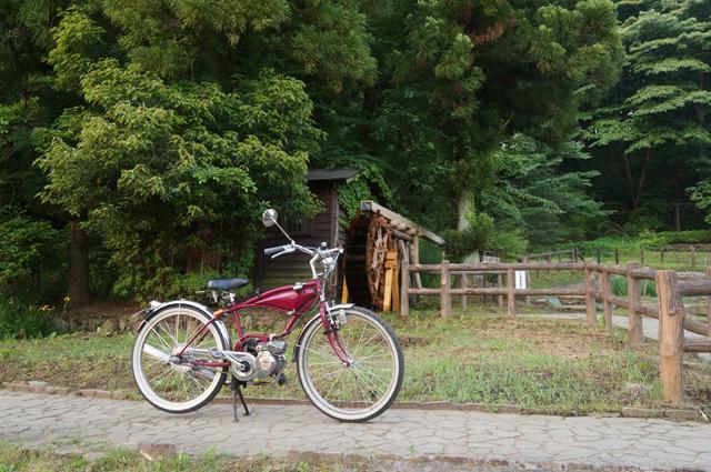フキプランニングFK310 LA3と片倉城址公園の水車