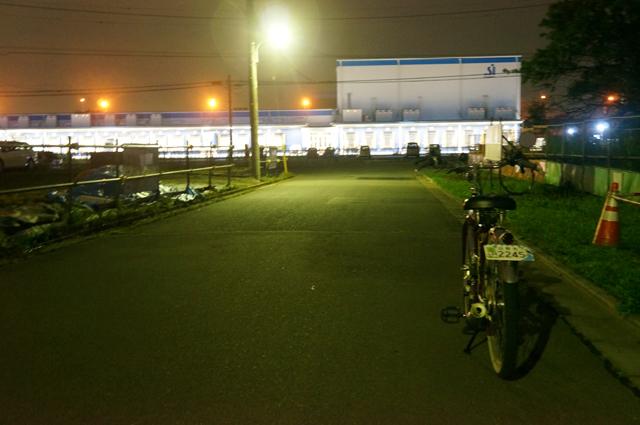 夜間の配送センター