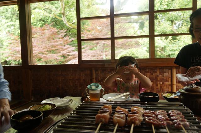 昼の鎌田鳥山で家族と友達と一緒に