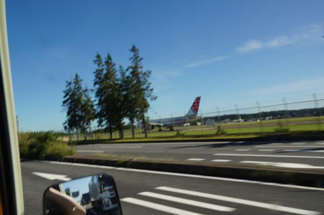 横田を飛び立とうとする飛行機