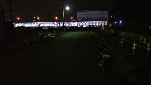 夜間の配送センター アンドロイドワンX1