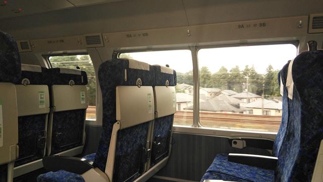 二階建ての普通列車に乗って