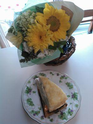 KIMG0878花とケーキ