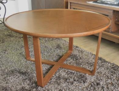 カンディハウス丸テーブル2