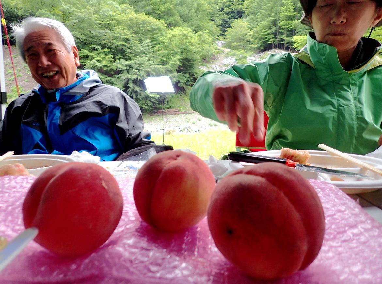 朝食と桃デザート(4)
