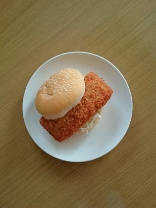 カニ風味カツバーガー1